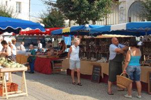 Coulonges market