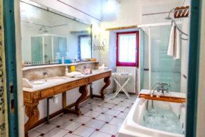 La salle de bains de l\'étage
