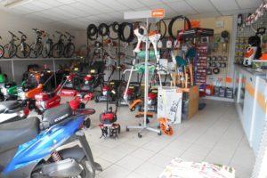 Un espace dédié à la motoculture et aux cycles