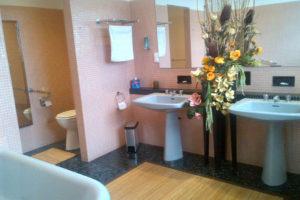 La chambre des patrons: La salle d\'eau